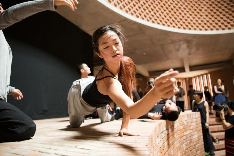 Site – specific Dance: Body, The Moment.